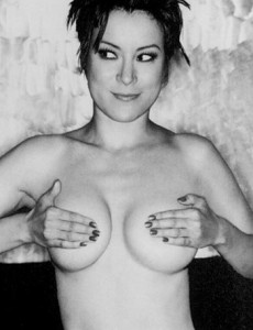281108042728_Jennifer-Tilly